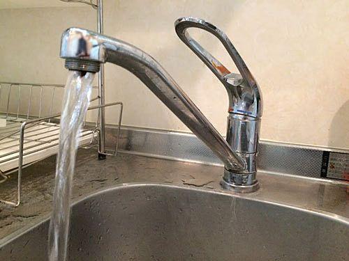 泡沫金具が付いていないキッチン水栓