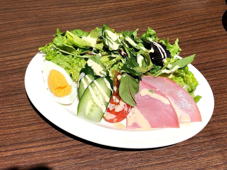 たっぷり野菜とハムサラダ