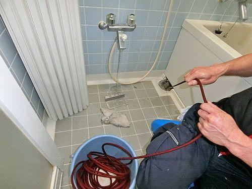 浴室の排水口の洗浄