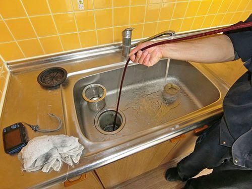 キッチンの排水口を洗浄