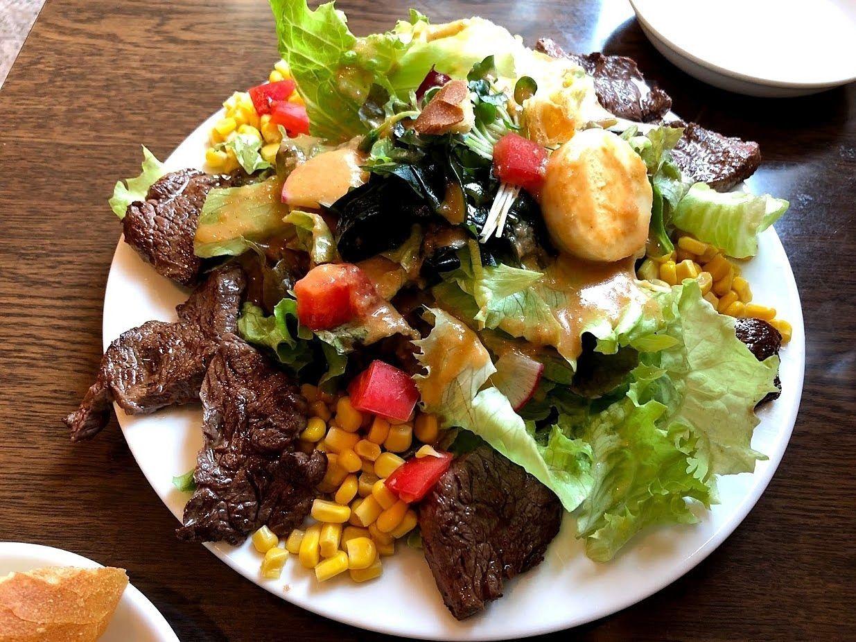 ハラミステーキ&サラダ