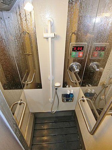 寝台特急サンライズ出雲のシャワールーム