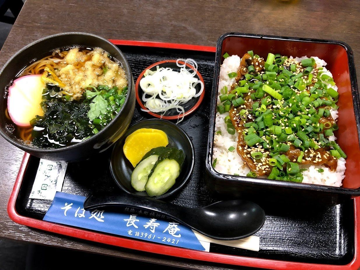 長寿庵(板橋本町)のさんまの蒲焼き丼セット