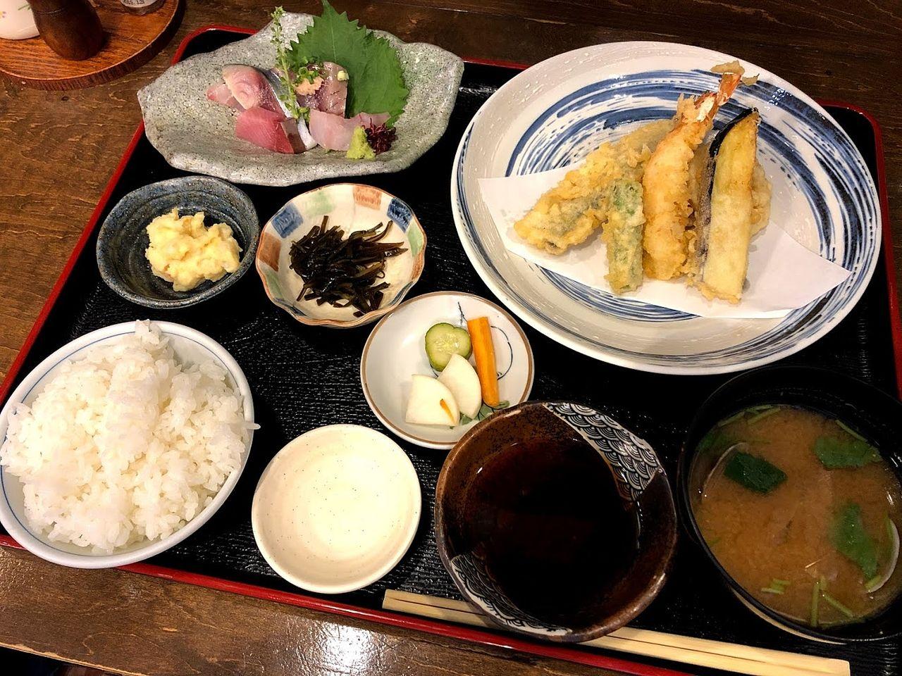 天ぷら盛り合わせ 1,000円