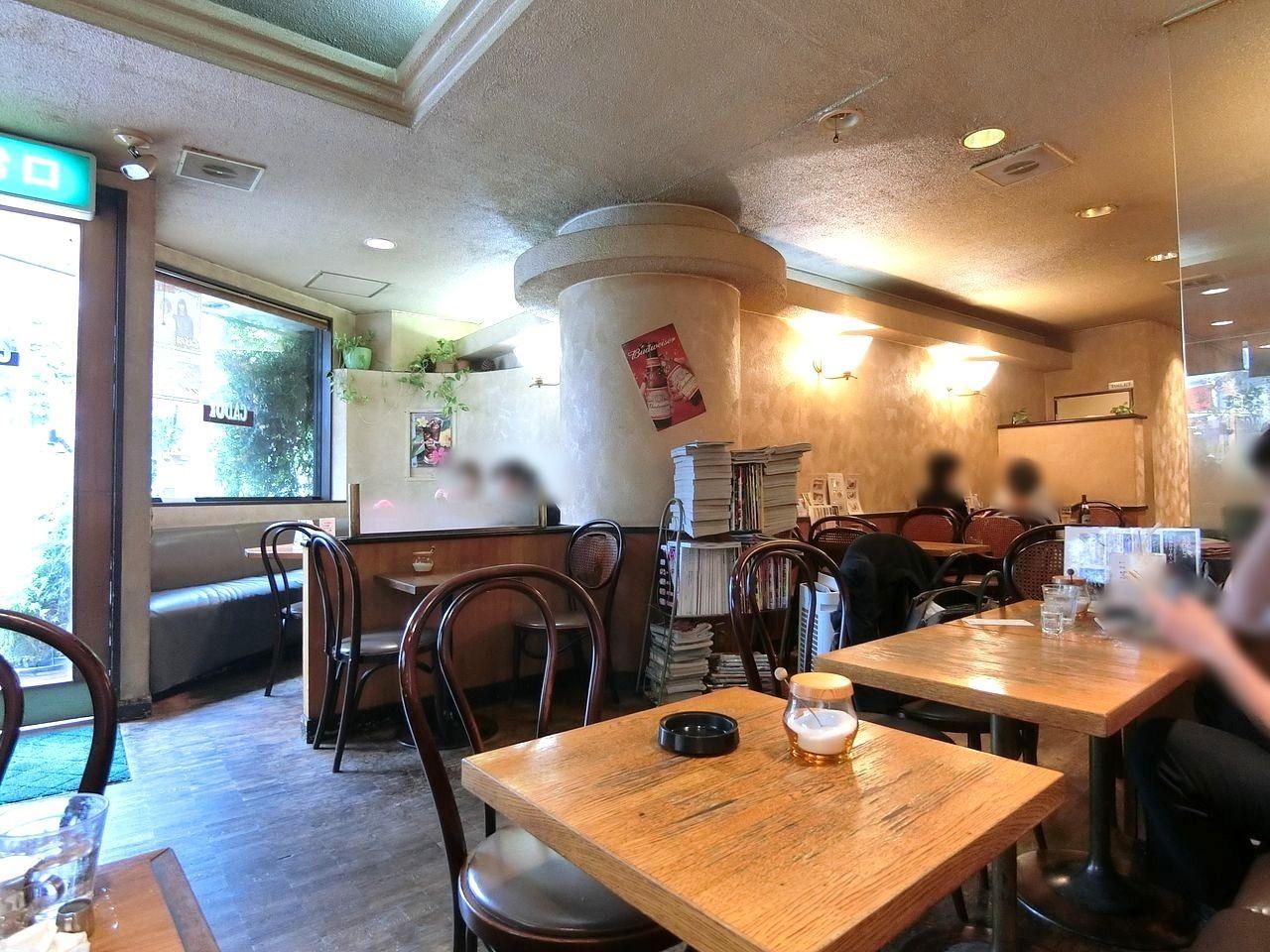 板橋区役所前にあるCafe de CADOT(カフェドカド)