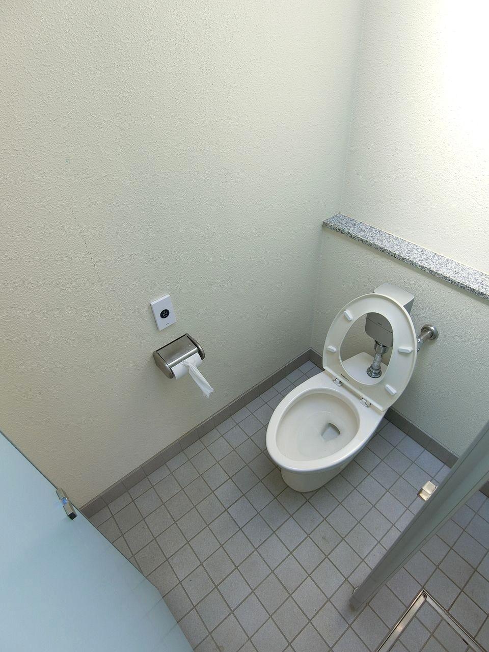 前野公園のトイレ