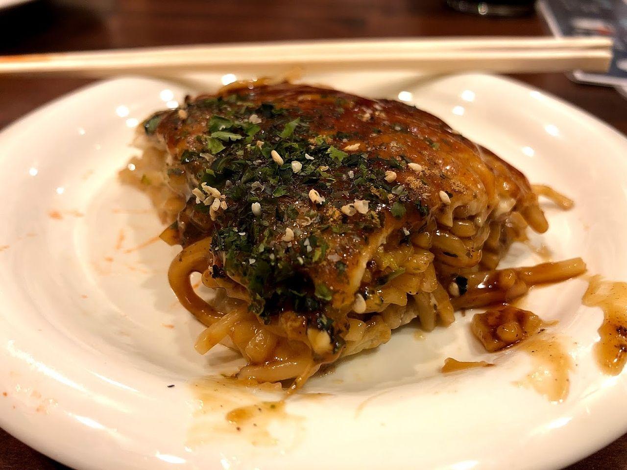 広島お好み焼き(肉玉子そば入り) 850円