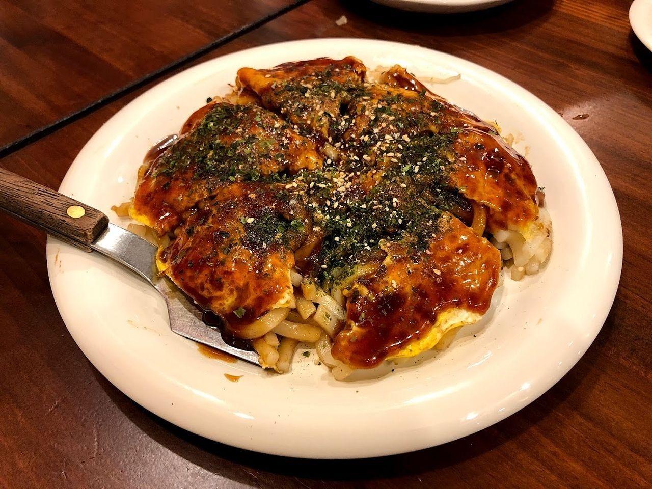 広島お好み焼き(肉玉子うどん入り) 850円