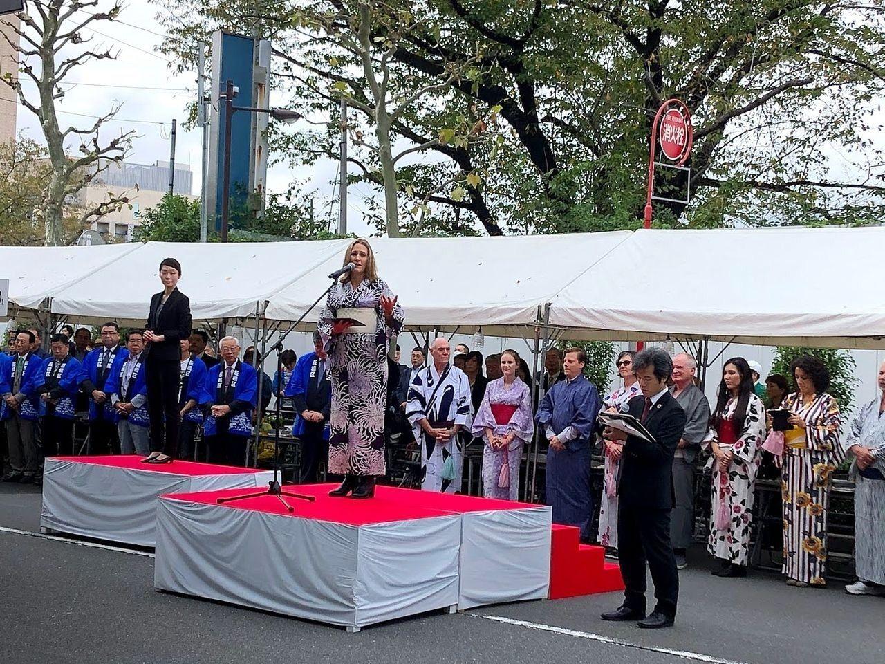 カナダ・バーリントン市のマリアンヌ・ミード・ワード市長の挨拶