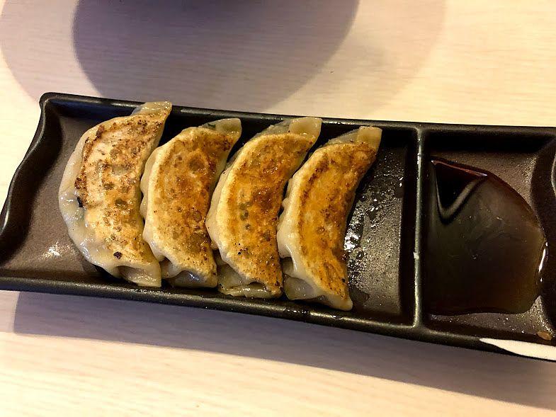 餃子4個 300円