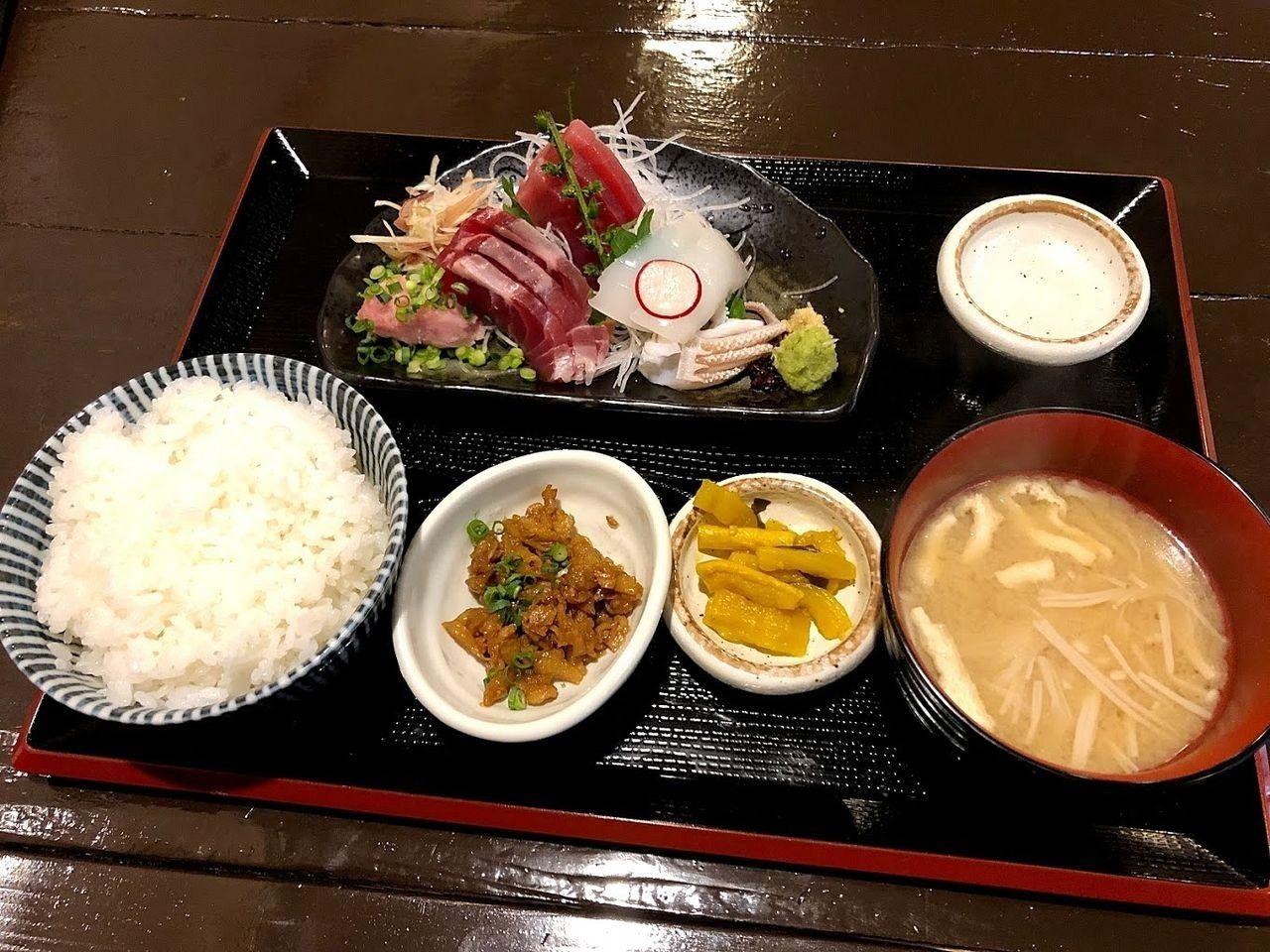 本日の刺身定食 1,030円(税別)