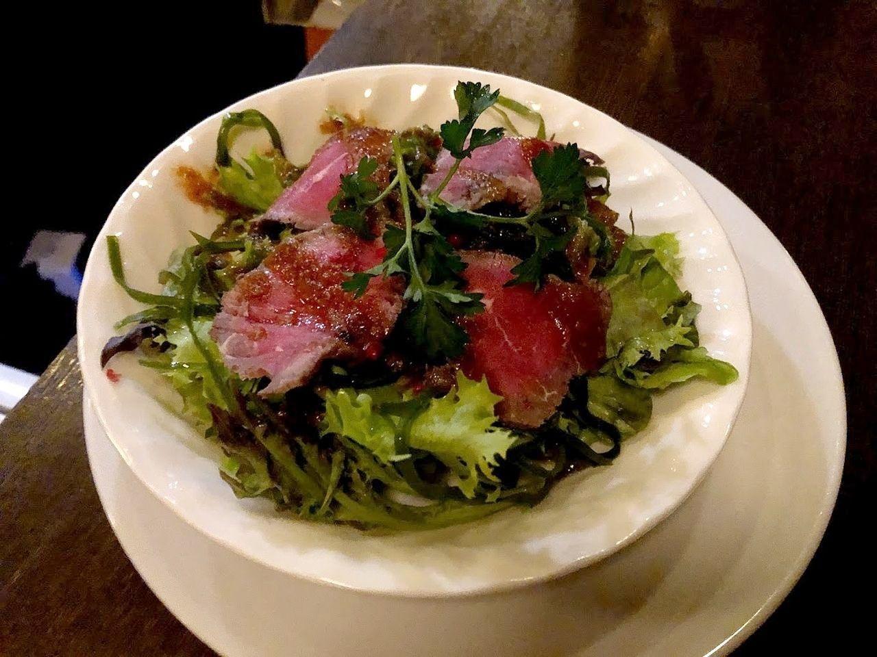 牛肉と海草の土佐風サラダ ジンジャードレッシング 1,280円
