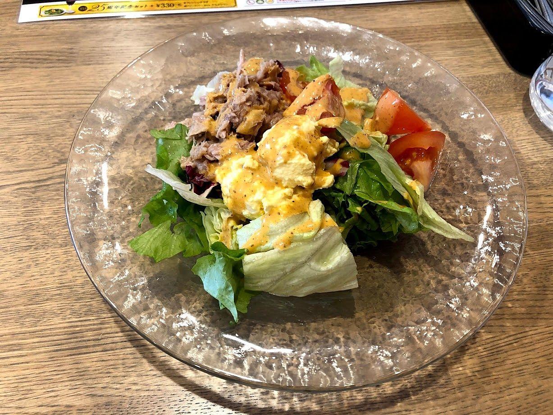 ツナとタマゴのサラダ 730円(税別)