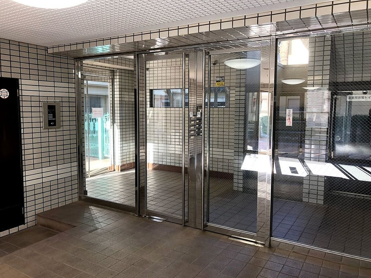 エントランス扉のフロアヒンジ交換
