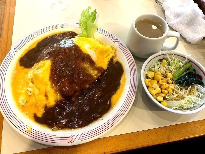板橋区役所前の喫茶店カフェモカのカレーオムライス