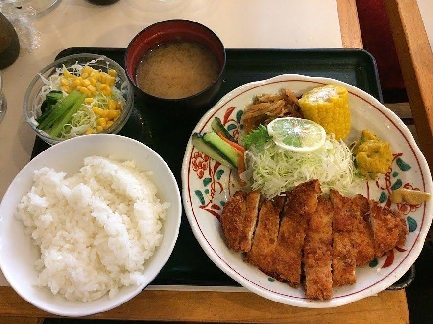 板橋区役所前の喫茶店カフェモカのチキンカツ定食