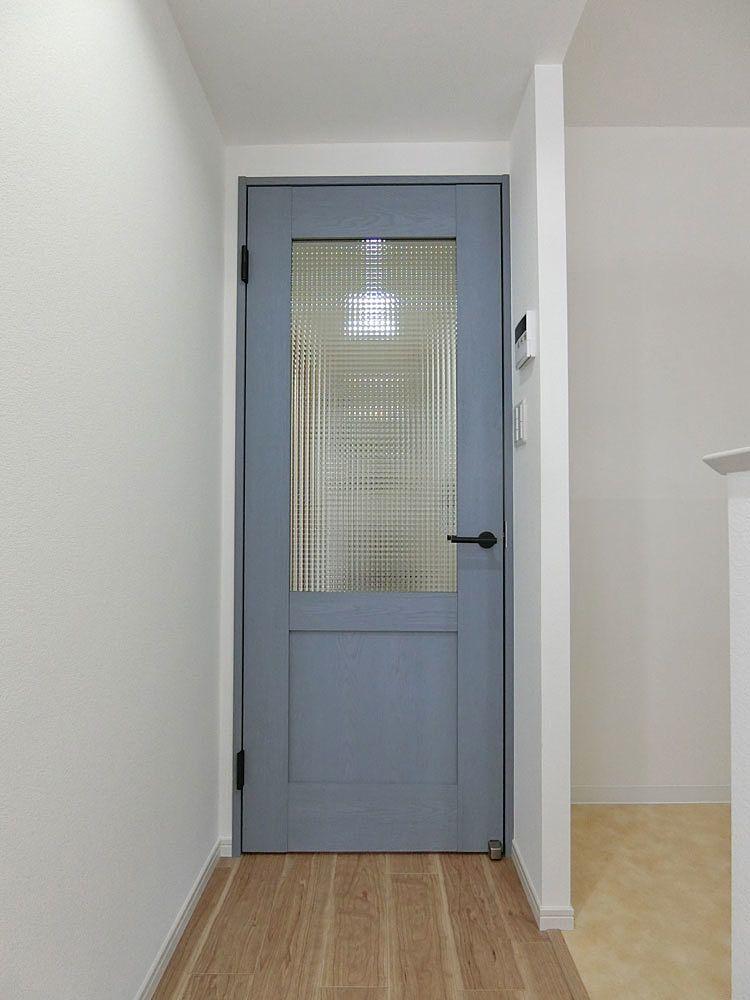 室内扉でアクセント