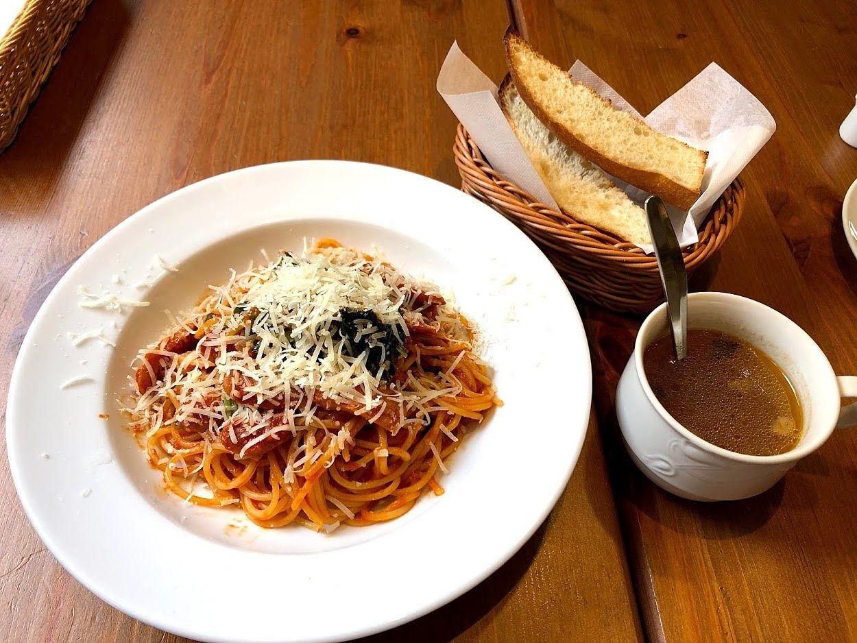 ソーセージとほうれん草のトマトスパゲッティ 1,100円