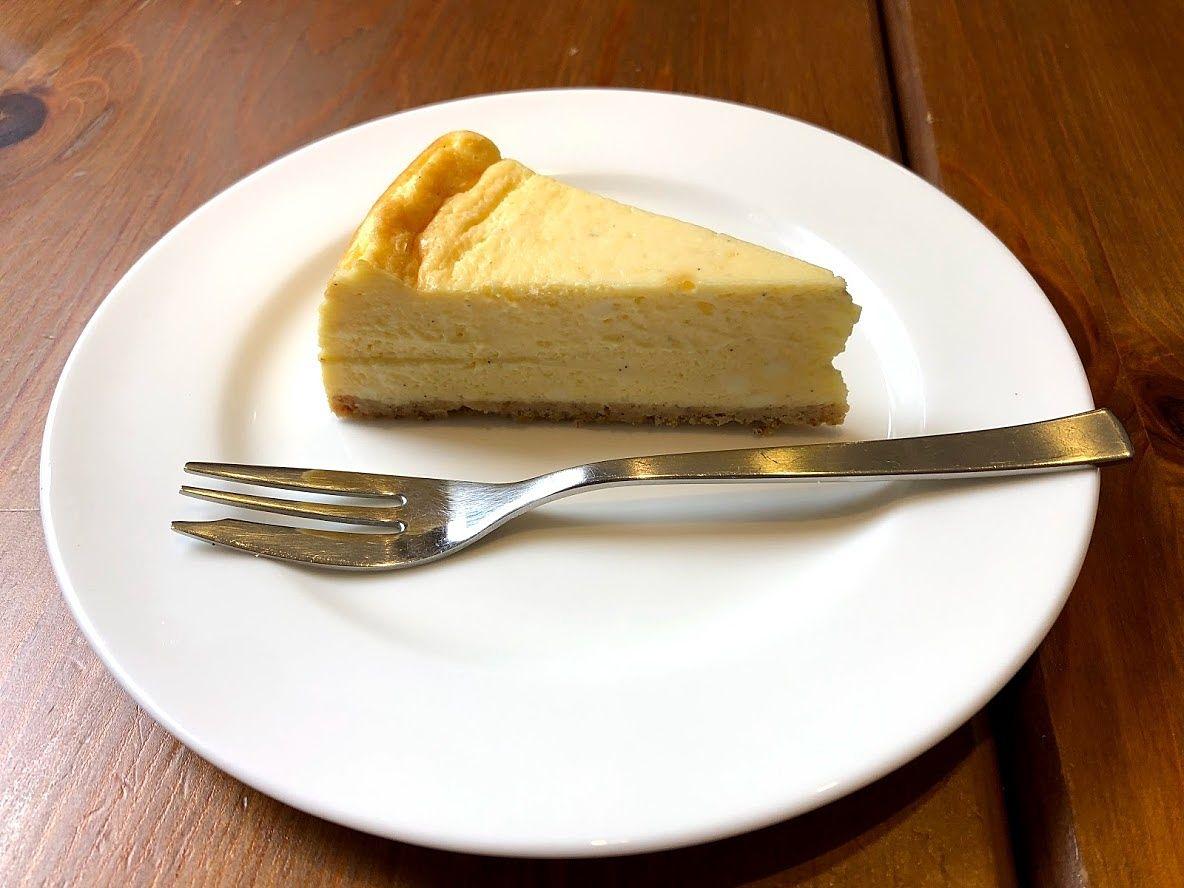 ベイクドチーズケーキ 550円