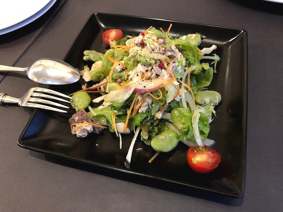 天然ブリのコンフィと空豆のサラダ