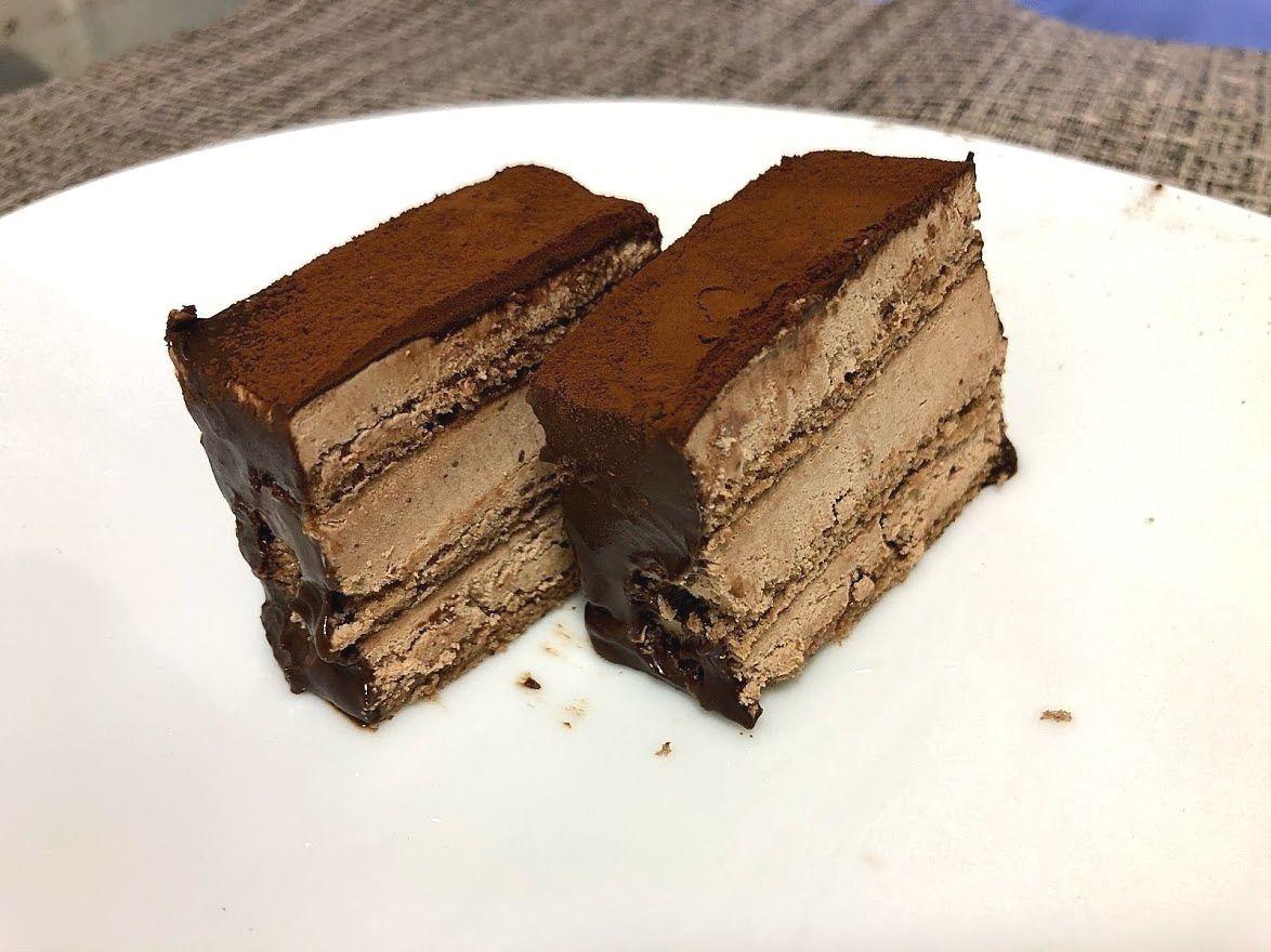 喫茶 萩(はぎ)のチョコレートケーキ