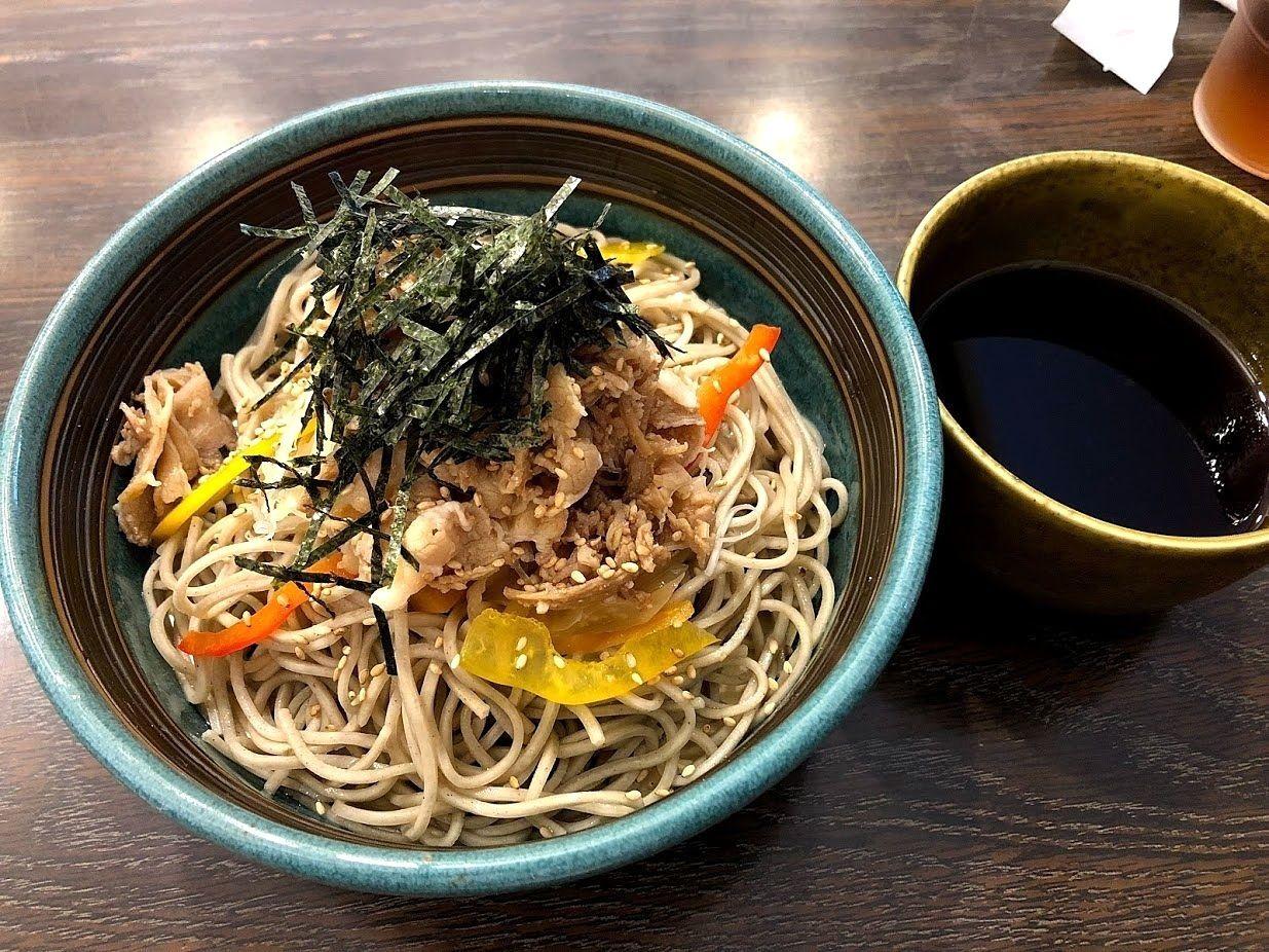 肉野菜つけ蕎麦(730円)