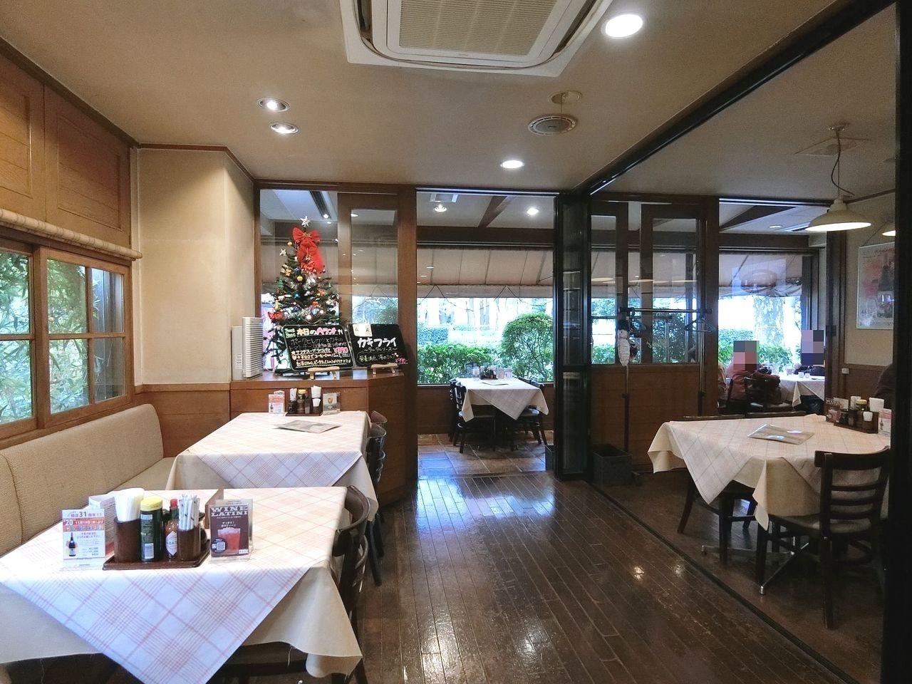 板橋区高島平にある洋食レストラン「フットレスト」