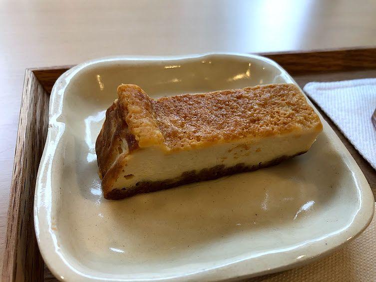 チーズケーキ 200円(税別)