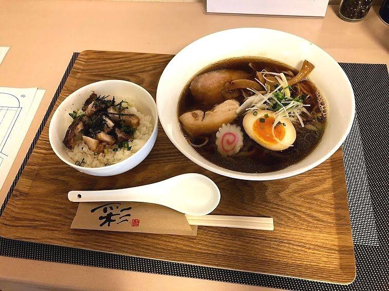 オリジナルヌードル(醤油)と焼豚ミニ丼セット 850円