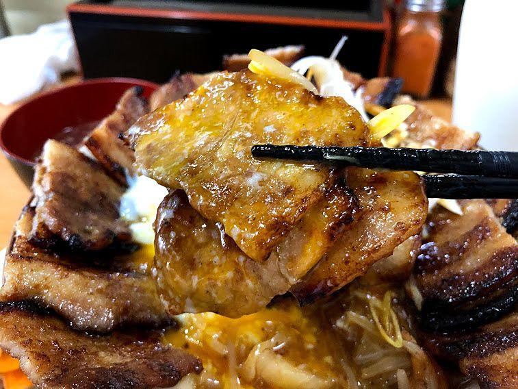 豚丼大盛りセット 900円