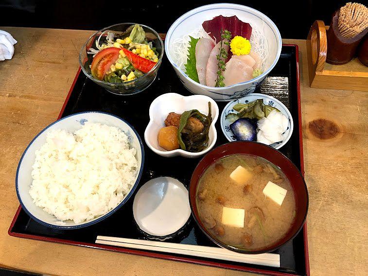 さしみ定食 1,100円