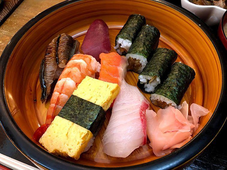 にぎり寿司 900円