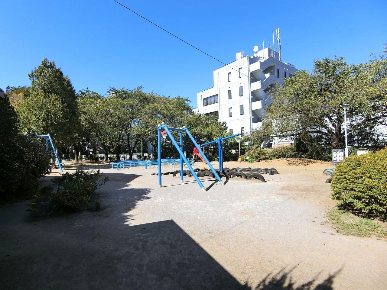 板橋区宮本町のタイヤ公園