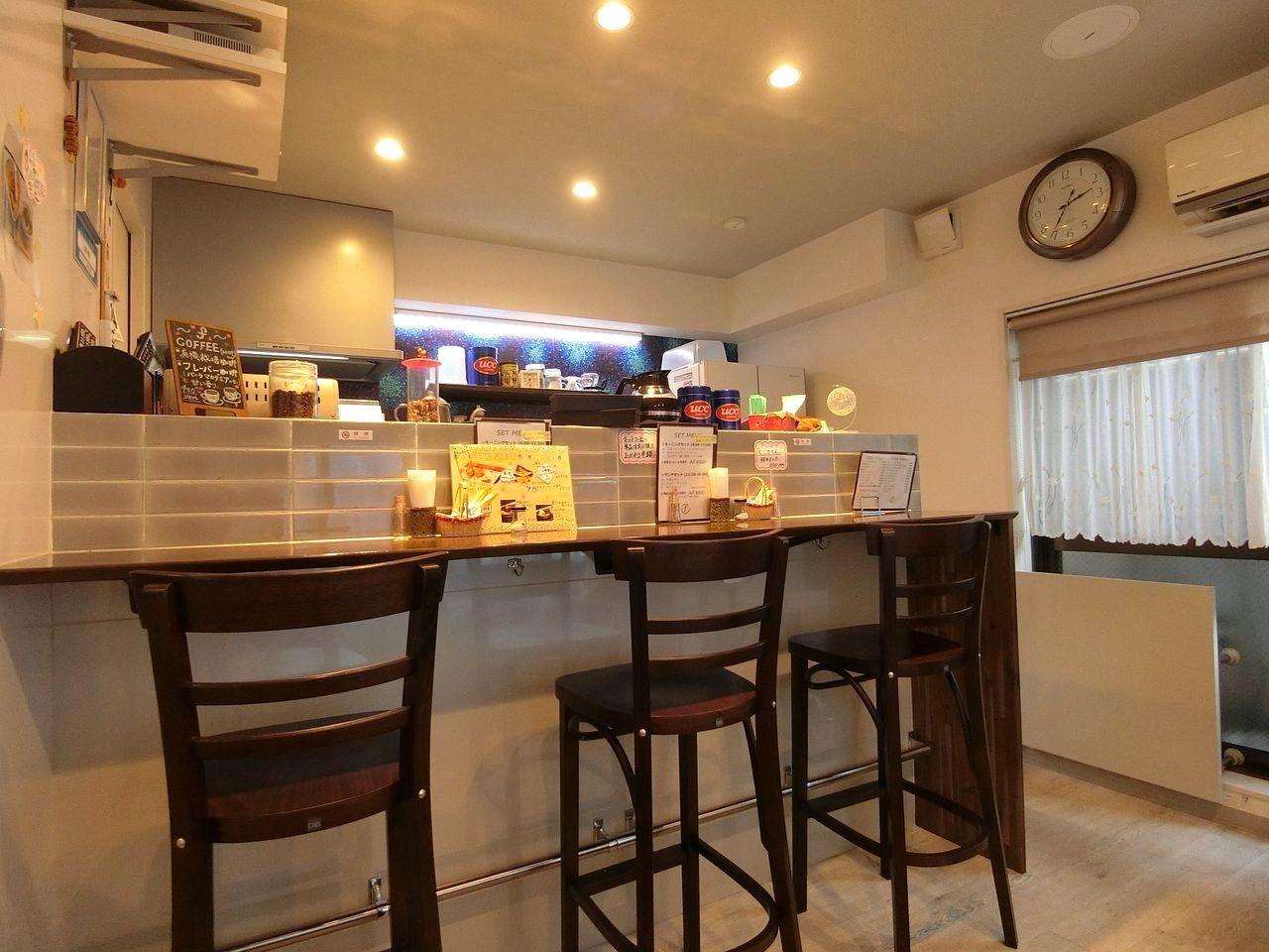 板橋本町のカフェ f( エフ)