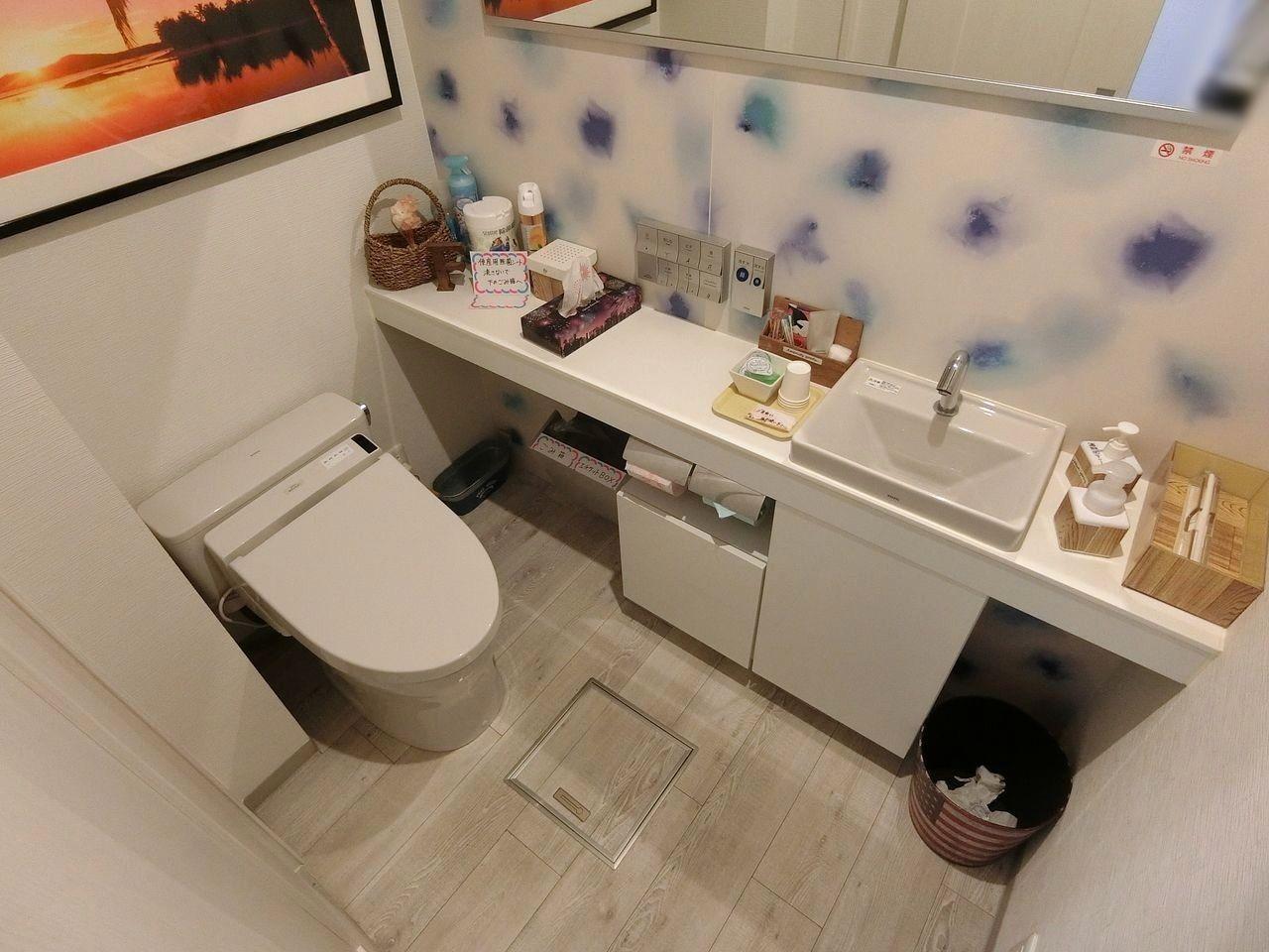 板橋本町のカフェ f( エフ)のトイレ