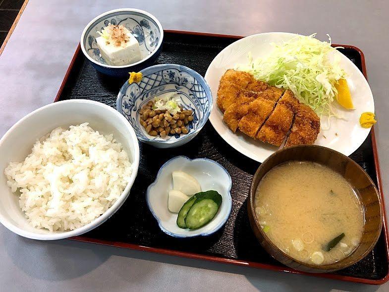 チキンカツ定食 780円