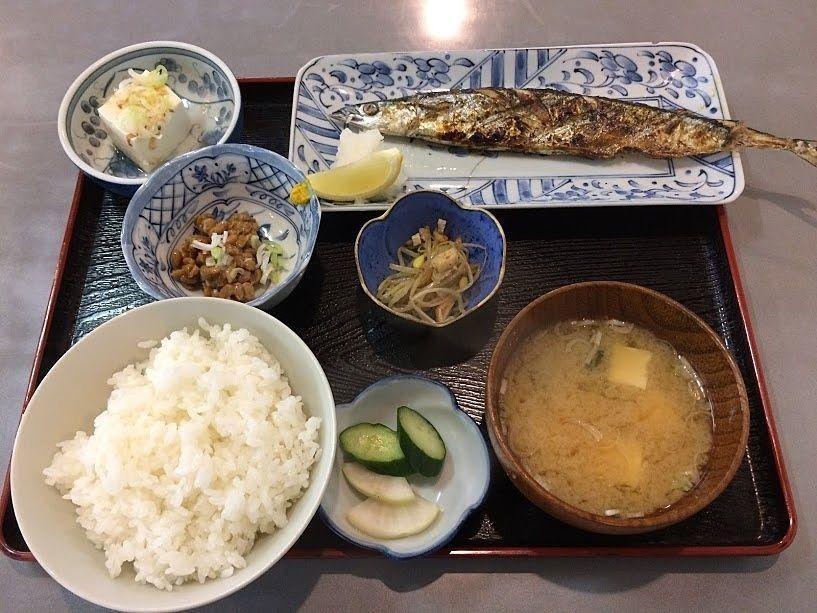 秋刀魚の塩焼き定食 930円