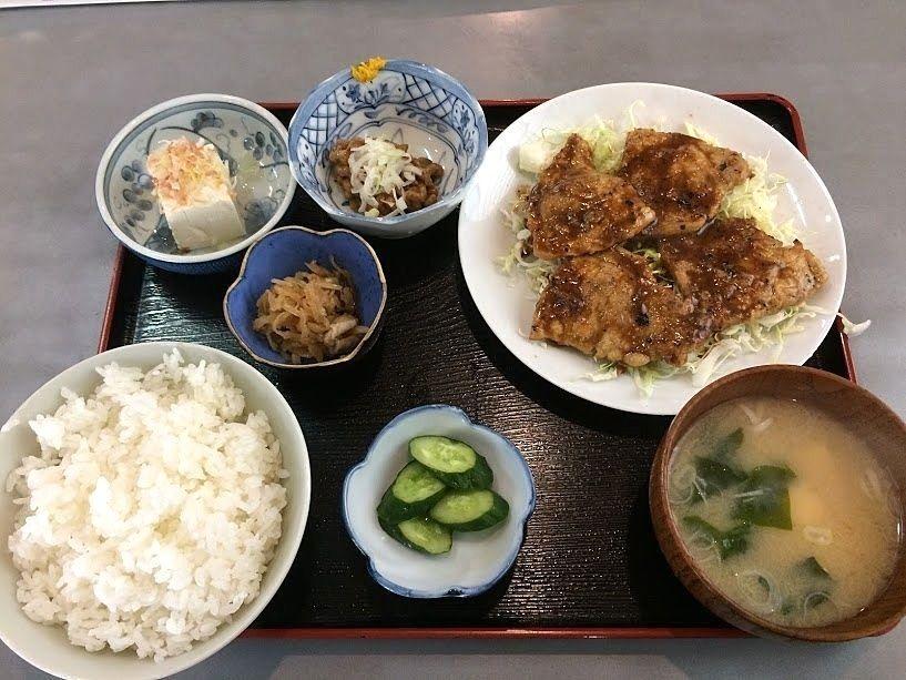 豚ロース生姜焼き定食 780円