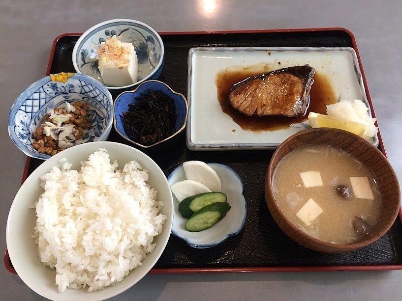 天然ブリ照り焼き定食 1,150円