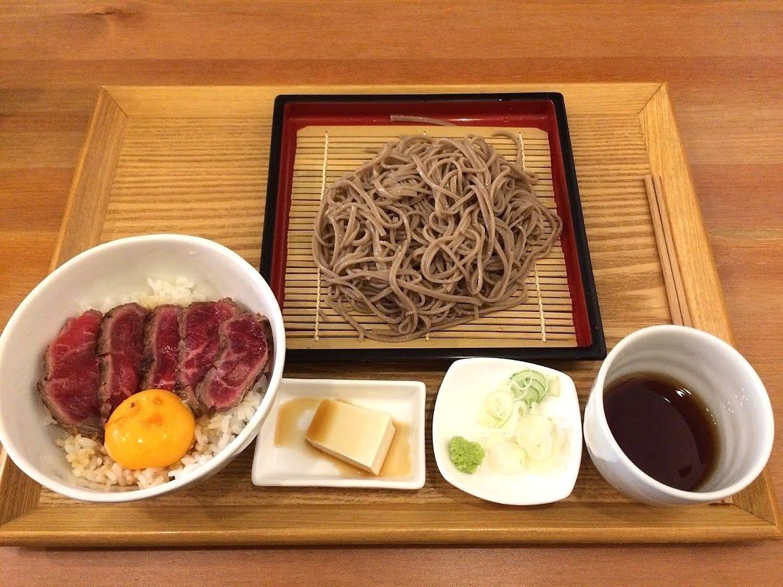 牛たたき丼&蕎麦定食 950円