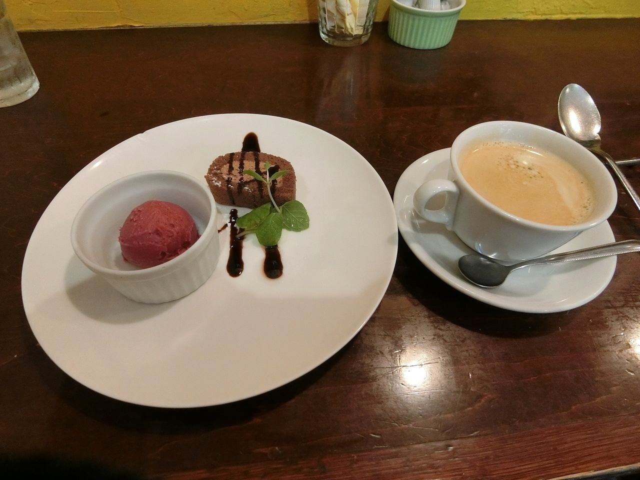 デザート2種盛りとコーヒー