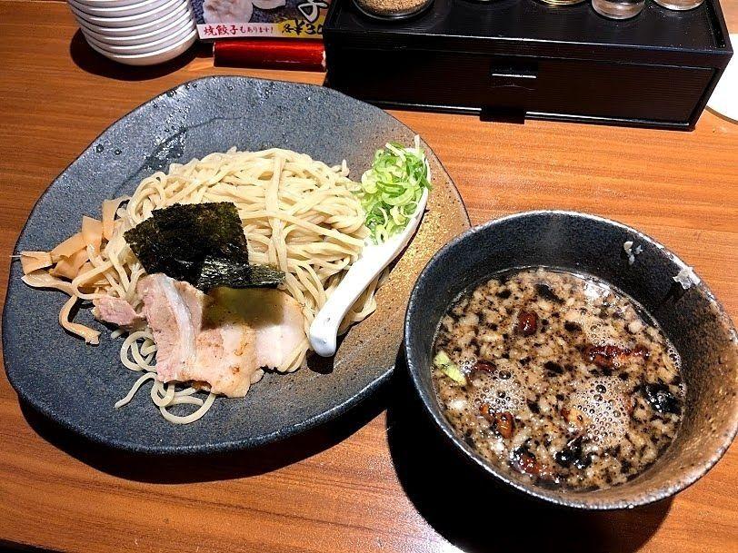 龍の家(たつのや)のつけ麺 もつ