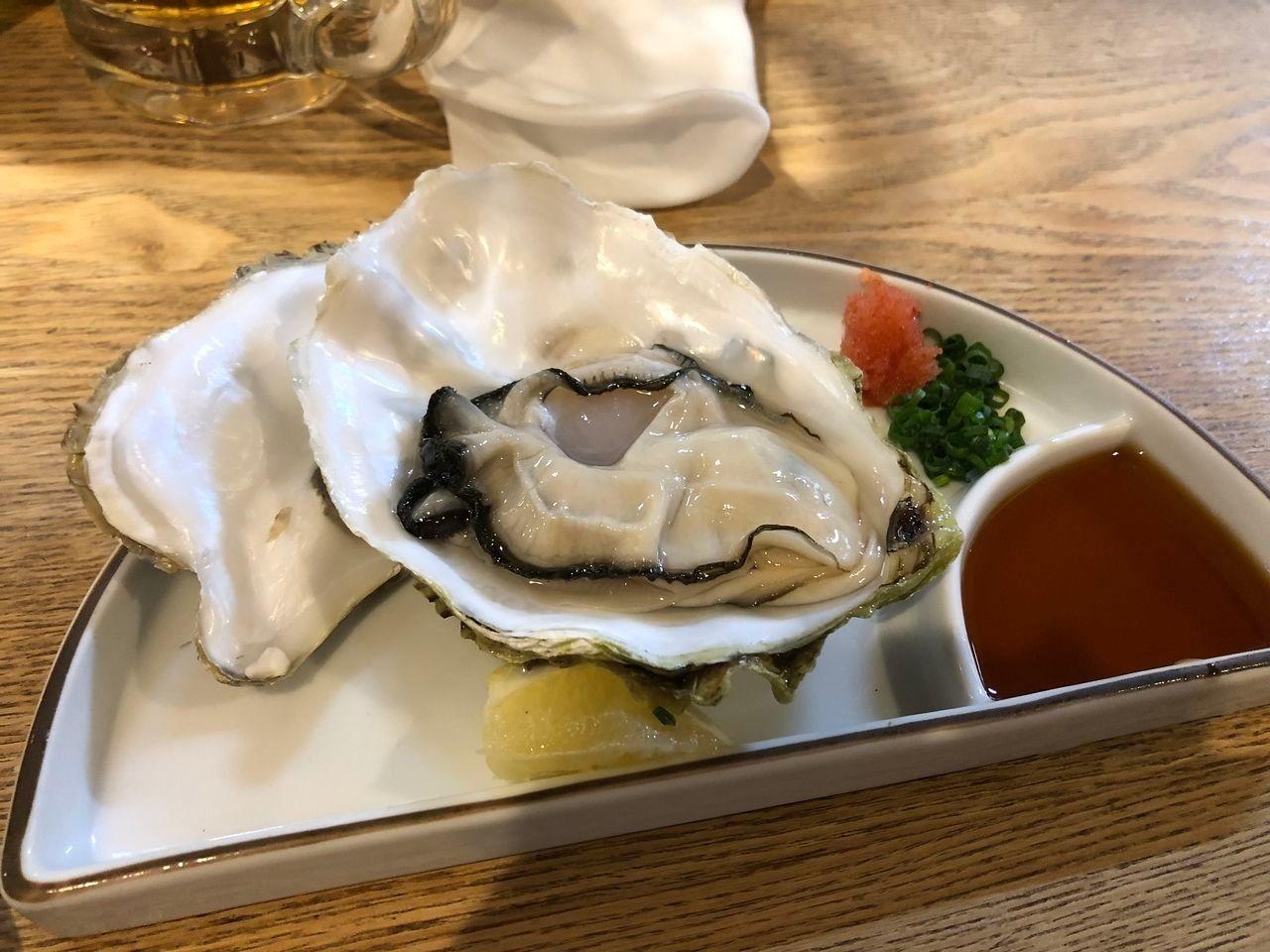 殻付き生牡蠣 380円