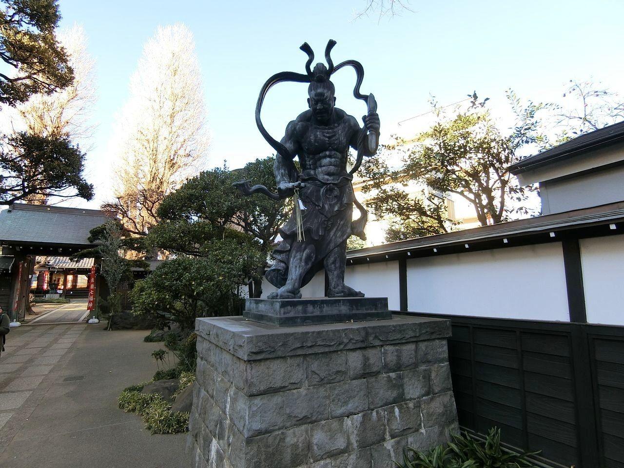 西光院の仁王像